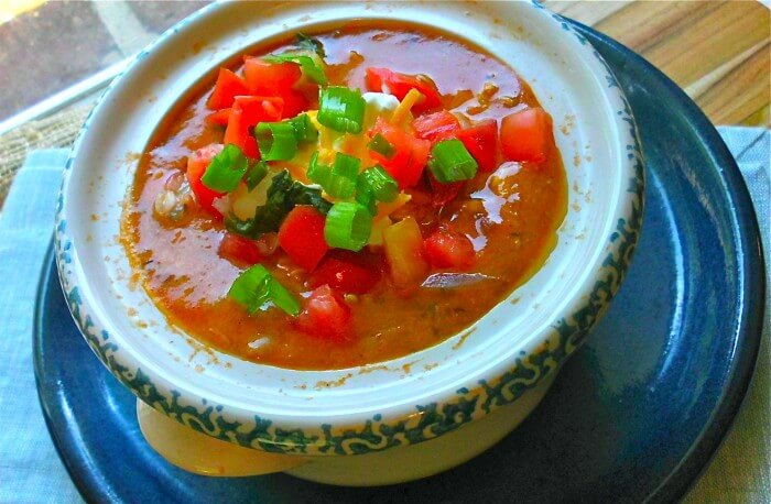 Easy Crockpot Chicken Chili Recipe for the Slow Cooker