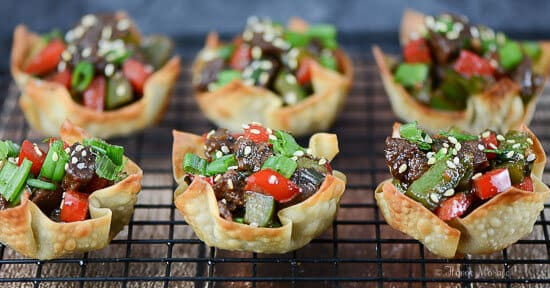 Pepper Steak in Wonton Cups