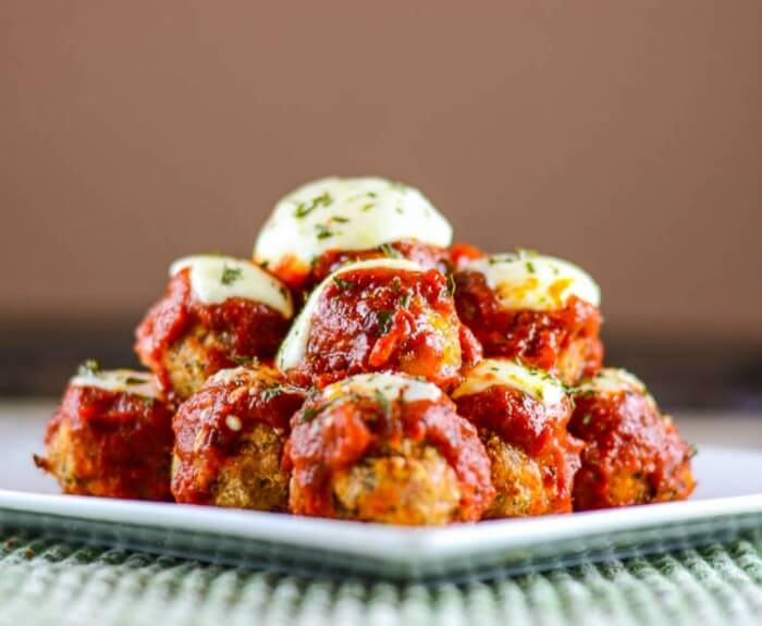 Chicken-Parmesan-Meatballs-Side-shot-700x575