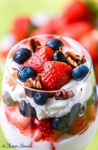 Strawberry Blueberry Yogurt parfait
