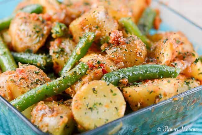 Sun-Dried Tomato Pesto Potatoes and Green Beans