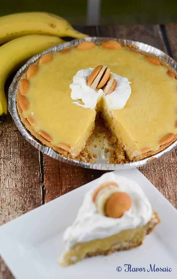 Easy No Bake Banana Pudding Cream Pie Recipe