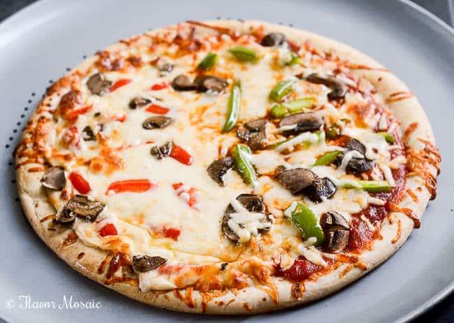 Garlic Parmesan Vegetable Pizza-3