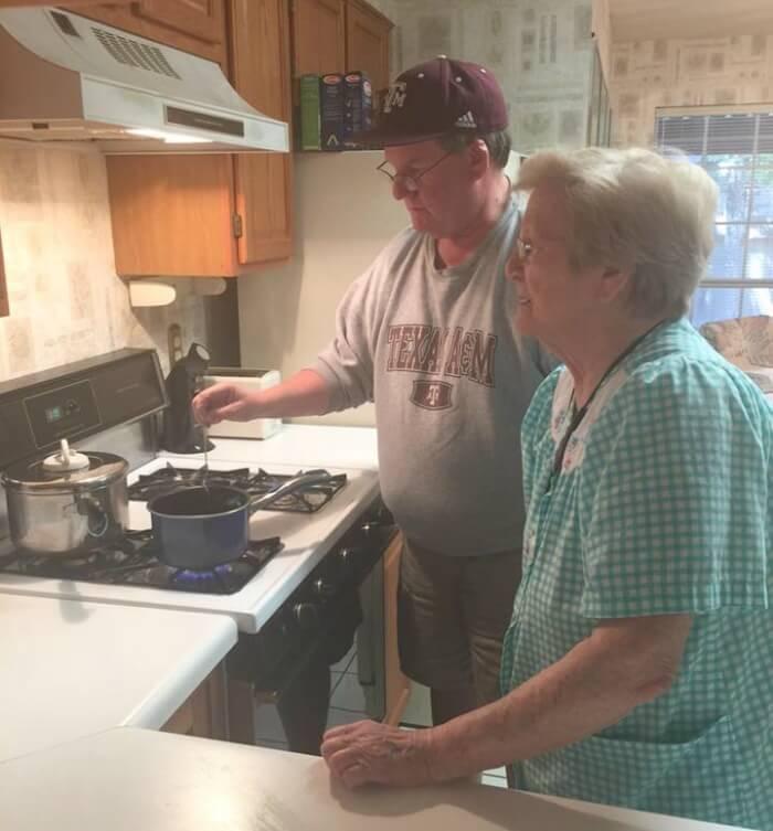 Dave-n-Mom-Lois-stove