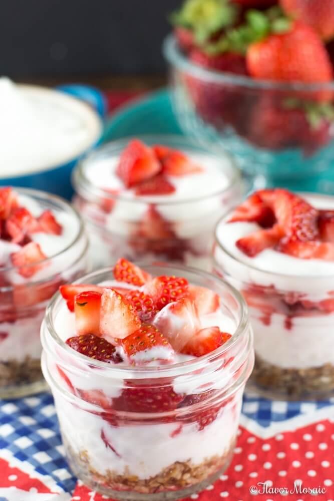 Strawberry Pretzel Dessert Mini Parfaits