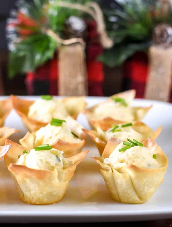 Roasted Garlic Potato Wonton Cups