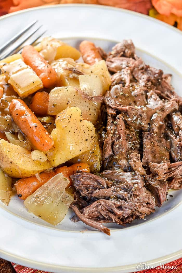 Crock Pot Chuck Roast with Vegetables