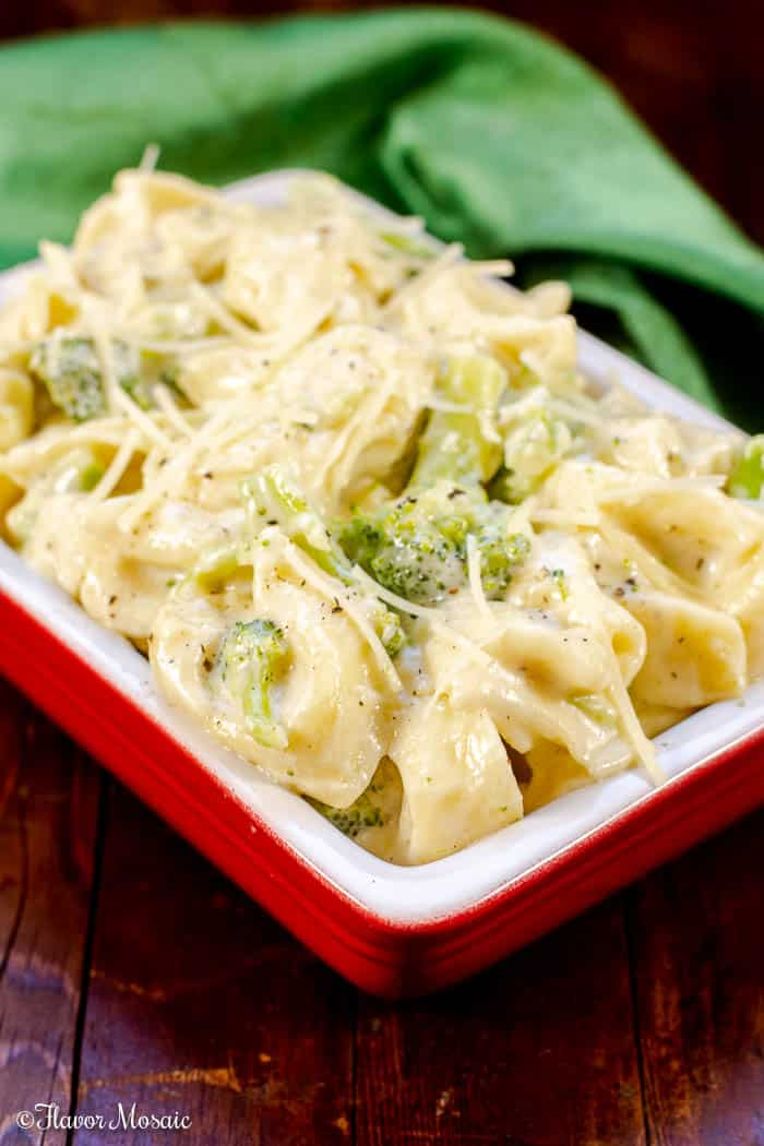 This Broccoli Tortellini Alfredo is bursting with flavor with its pillowy cheese-stuffed tortellini in a creamy garlic parmesan alfredo sauce with broccoli florets.