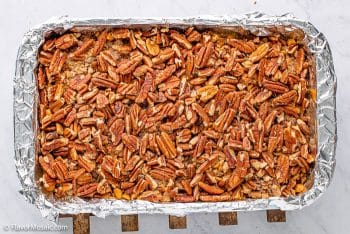 Layer of pecans